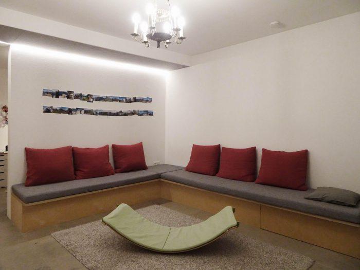 Couch Klein